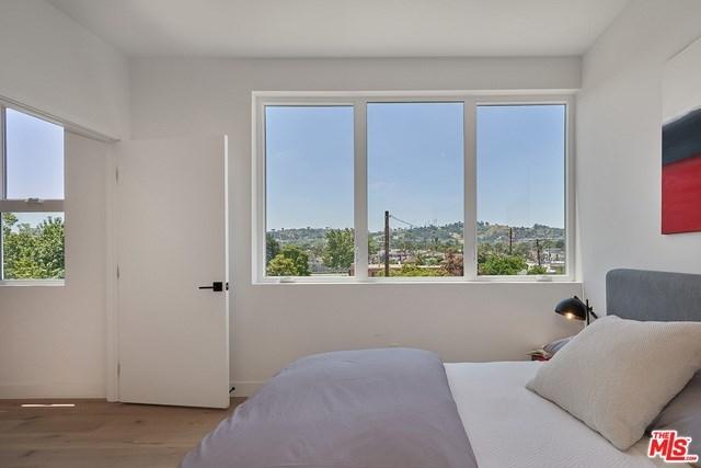 Closed | 2927 S Cloverdale Avenue Los Angeles, CA 90016 16