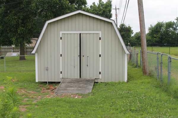 Homes for sale in Pryor | 1009 SE 14th Street Pryor, Oklahoma 74361 9