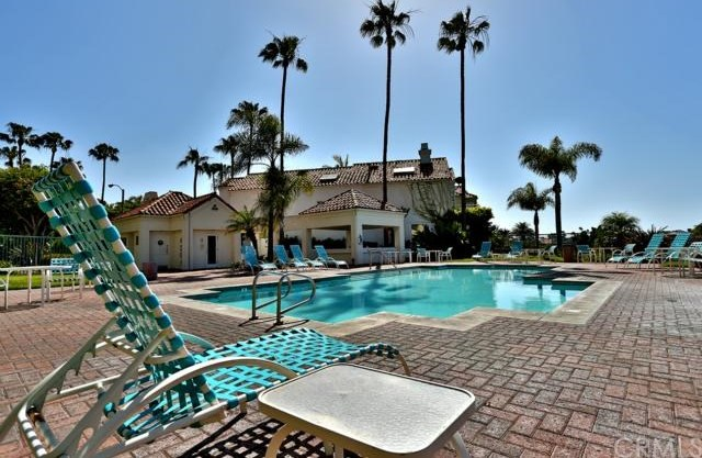 Closed | 16291 Countess Drive #211 Huntington Beach, CA 92649 24