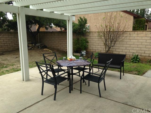 Closed | 1331 W Mesa Drive Rialto, CA 92376 2