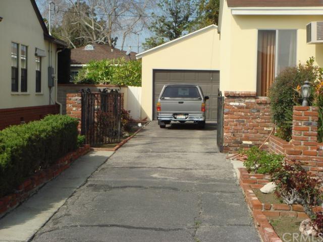 Closed   5507 Lindsey Avenue Pico Rivera, CA 90660 1