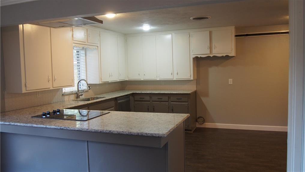 Sold Property | 625 Woodside Drive Hurst, Texas 76053 8