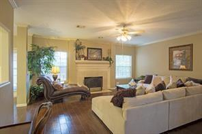 Active | 3014 Woodland View Drive Kingwood, TX 77345 8