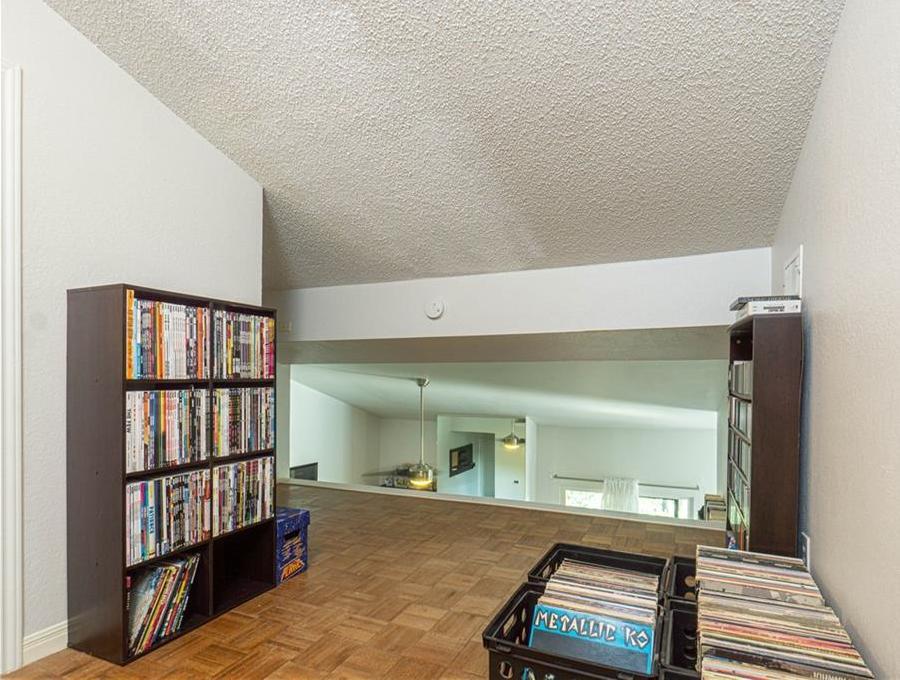 Sold Property | 2508 W 12th Street #305 Austin, TX 78703 9