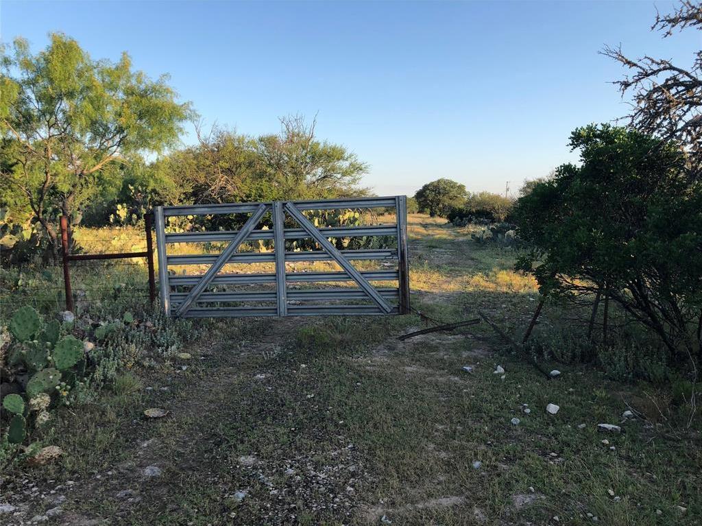 Country property in Rocksprings | 0 Pvt Road 4270 Rocksprings, TX 78880 2