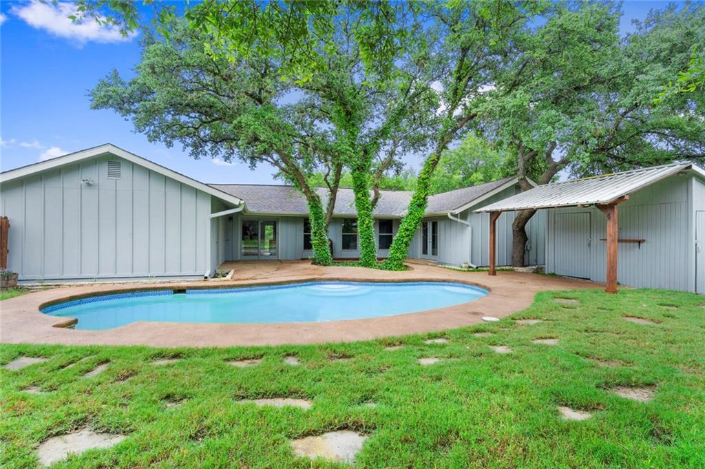 Active | 1048 Daviot Drive Spicewood, TX 78669 2