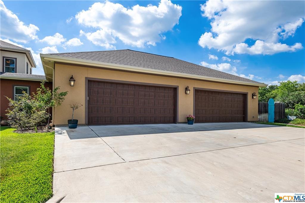Active | 318 E Reuss Boulevard Cuero, TX 77954 38