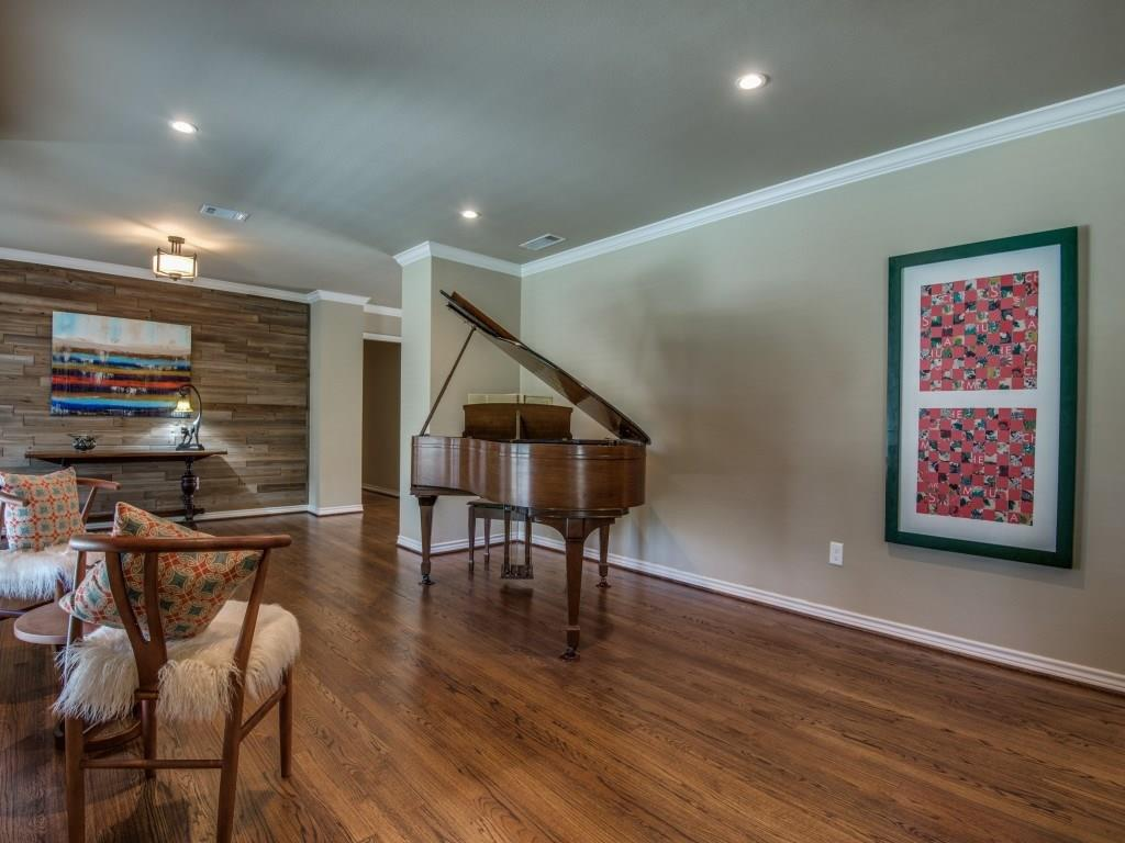 Sold Property | 11131 Westmere Circle Dallas, Texas 75230 4
