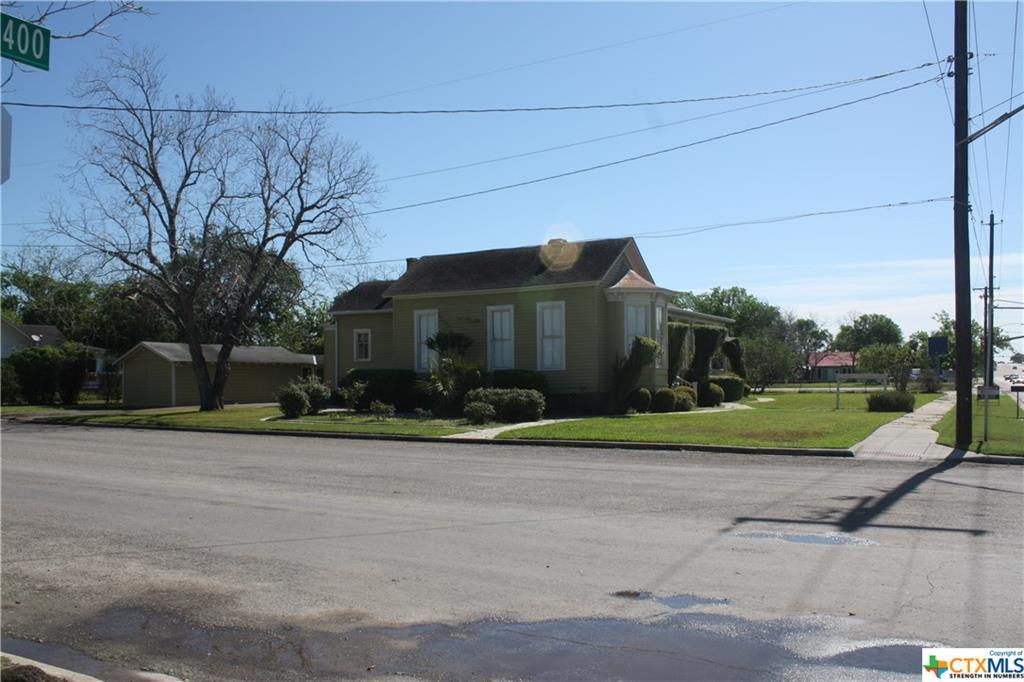 cuero, bed and breakfast, single story, value | 402 E Broadway  Cuero, TX 77954 15