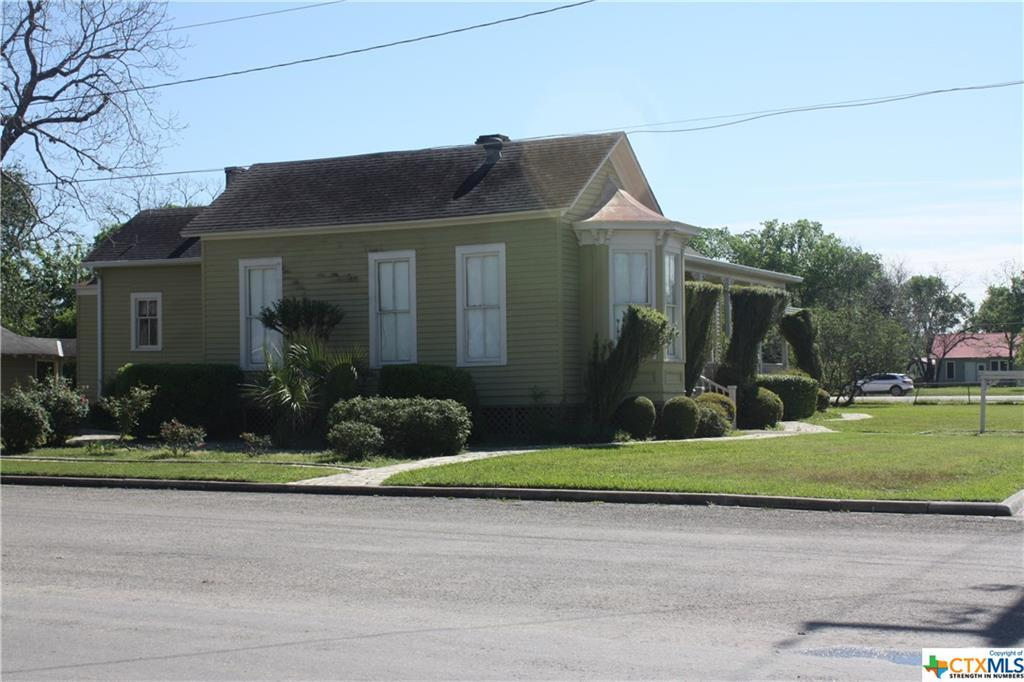 cuero, bed and breakfast, single story, value | 402 E Broadway  Cuero, TX 77954 16