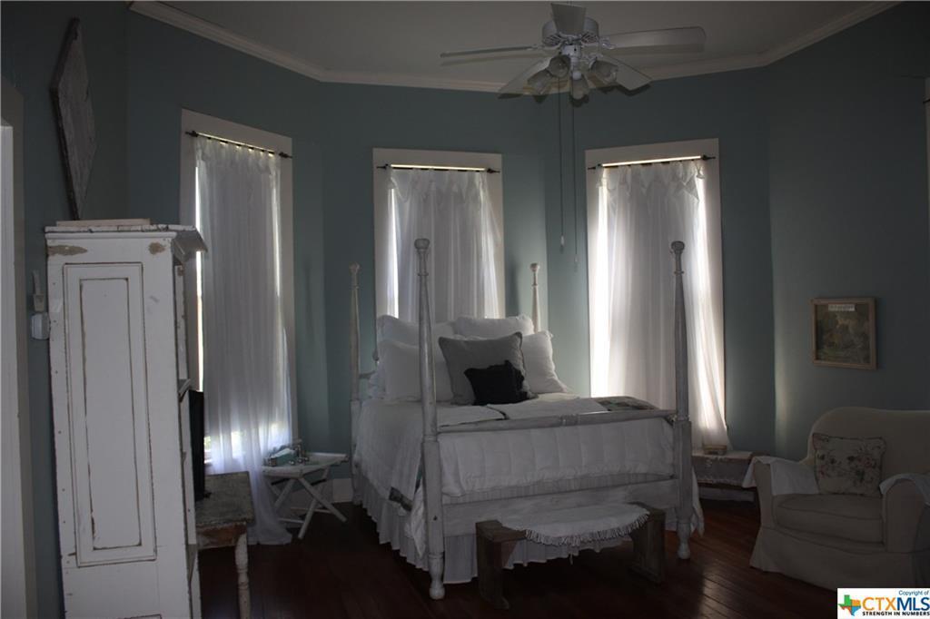 cuero, bed and breakfast, single story, value | 402 E Broadway  Cuero, TX 77954 28