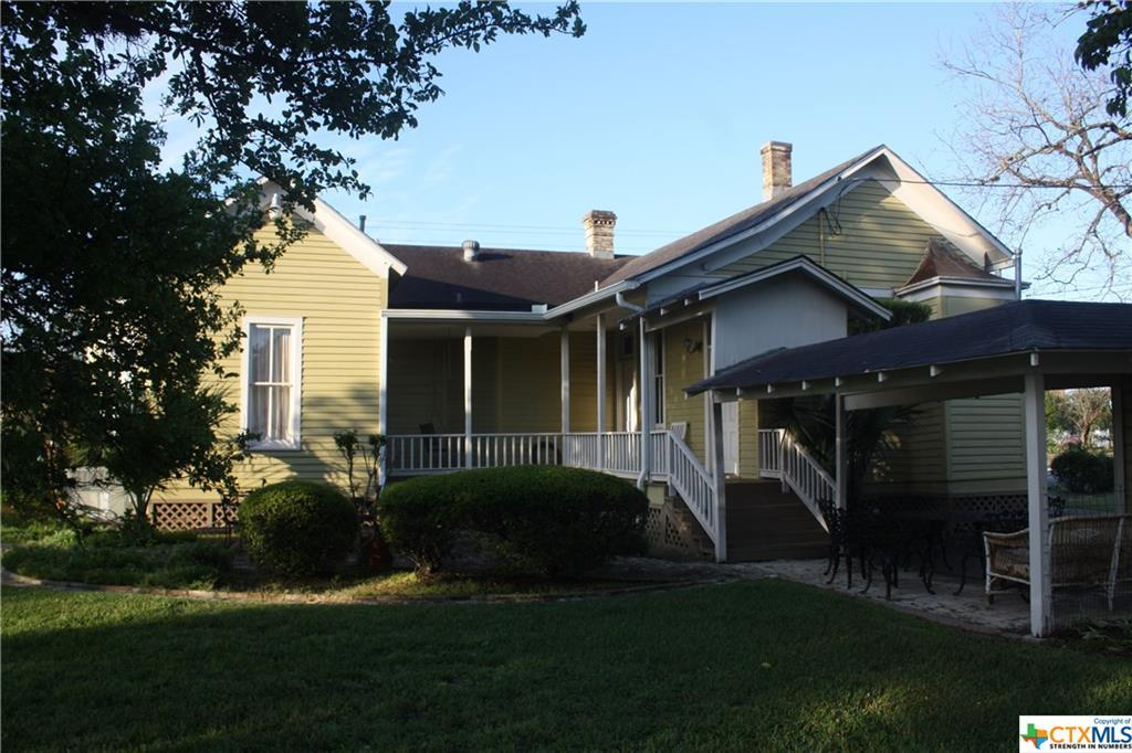 cuero, bed and breakfast, single story, value | 402 E Broadway  Cuero, TX 77954 5