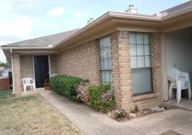Sold Property | 6645 S Creek Drive Fort Worth, Texas 76133 1
