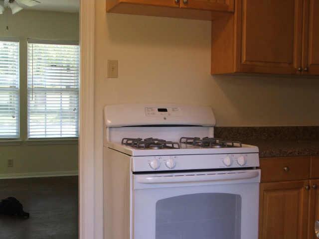 Sold Property | 706 Drummond Drive Arlington, Texas 76012 7