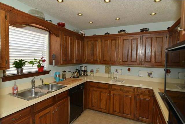 Sold Property | 2206 Prestonwood Drive Arlington, Texas 76012 3