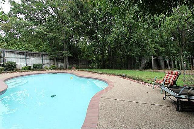 Sold Property | 6111 Pinwood Circle Arlington, Texas 76001 4