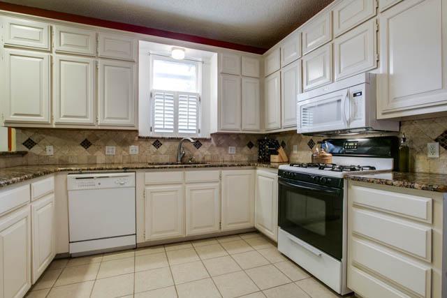 Sold Property | 2017 Ashland Avenue Fort Worth, Texas 76107 5