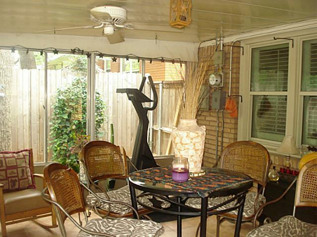 Sold Property | 1204 W Cedar Street Arlington, Texas 76012 9