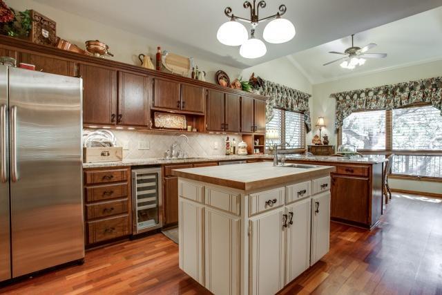 Sold Property | 5912 Woodlake Drive Arlington, Texas 76016 5
