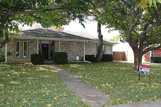 Sold Property | 2421 Parkwood Drive Grand Prairie, Texas 75050 21