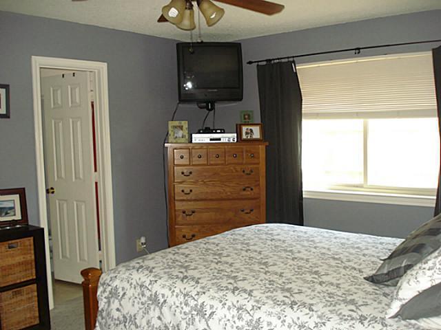 Sold Property | 4233 Glen Ridge Drive Arlington, Texas 76016 10