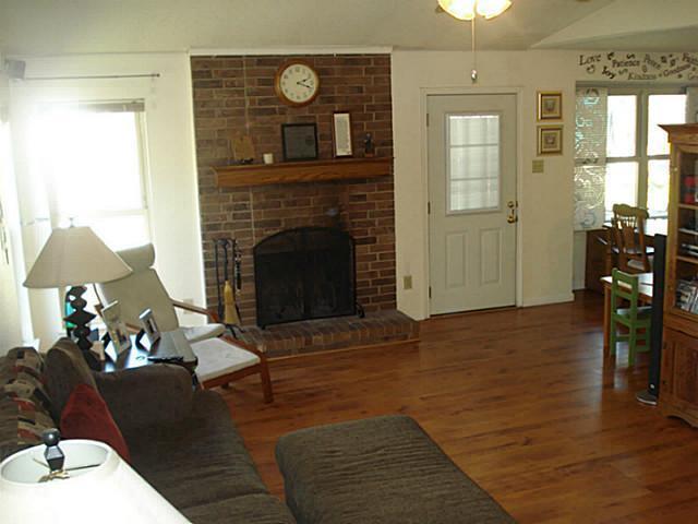 Sold Property | 4233 Glen Ridge Drive Arlington, Texas 76016 7