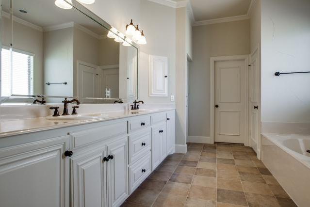 Sold Property | 2000 Kodiak Court Arlington, Texas 76013 15