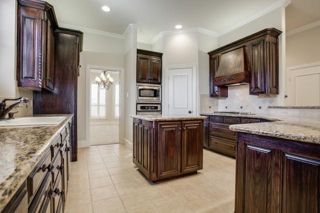 Sold Property | 2000 Kodiak Court Arlington, Texas 76013 4