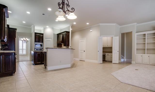 Sold Property | 2000 Kodiak Court Arlington, Texas 76013 8