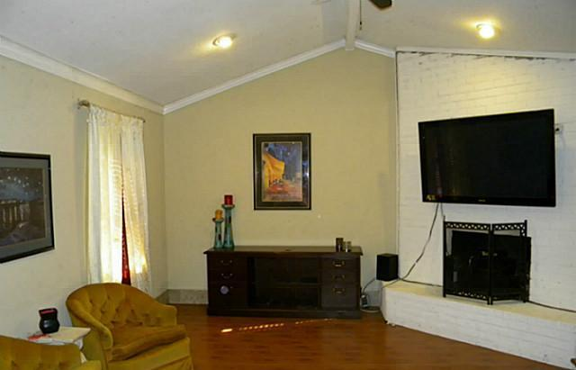 Sold Property | 4911 Crest Drive Arlington, Texas 76017 2