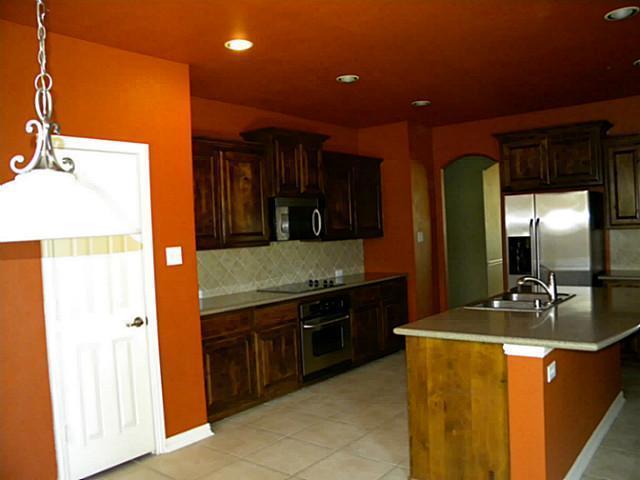 Sold Property | 3016 Summerview Drive Grand Prairie, Texas 75052 5