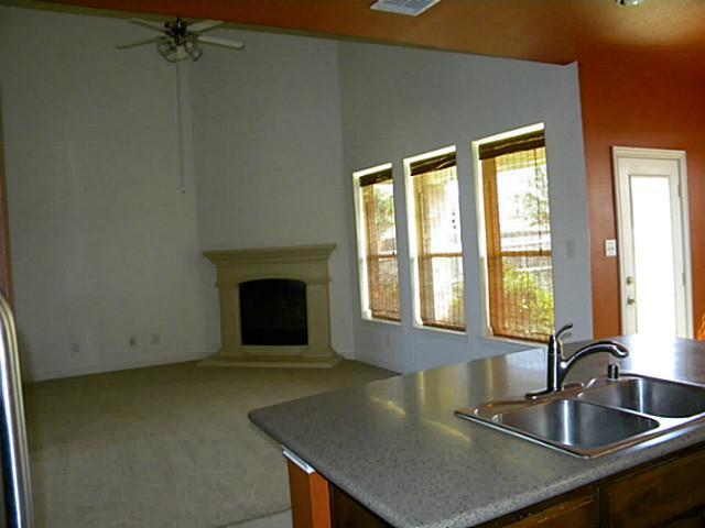 Sold Property | 3016 Summerview Drive Grand Prairie, Texas 75052 7