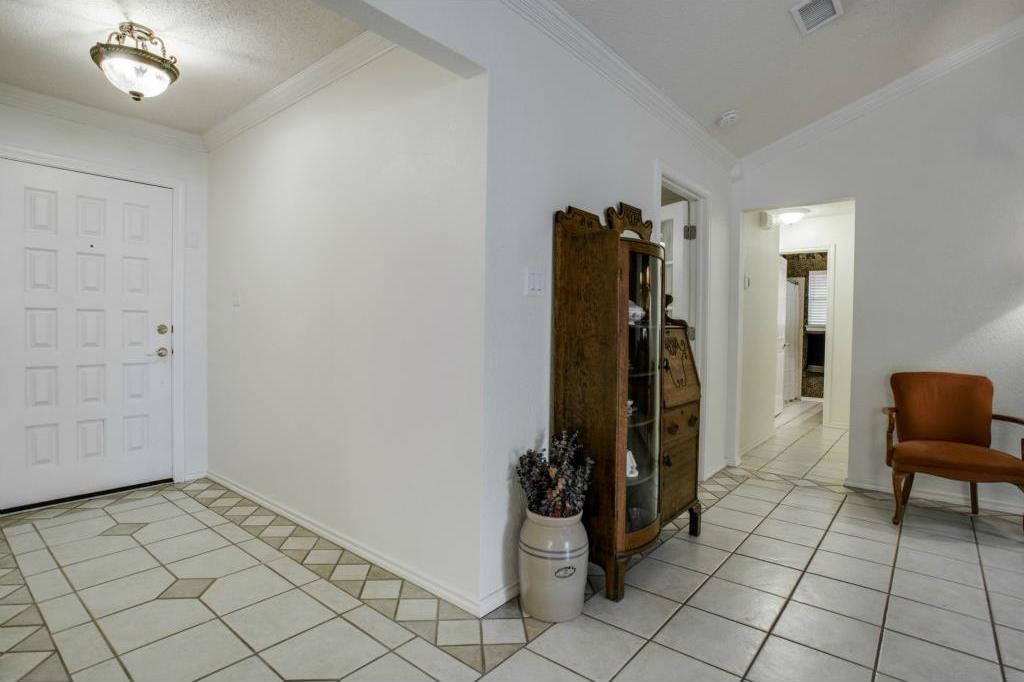 Sold Property | 5401 Oak Branch Drive Arlington, Texas 76016 3