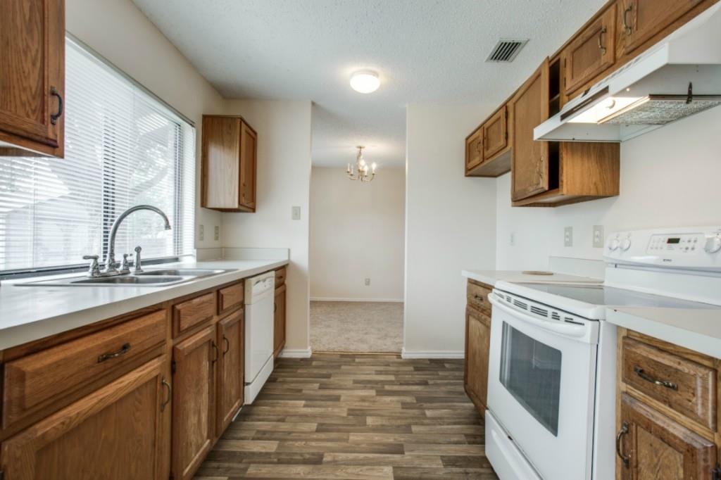 Sold Property   2810 Glen Hollow Circle Arlington, Texas 76016 10
