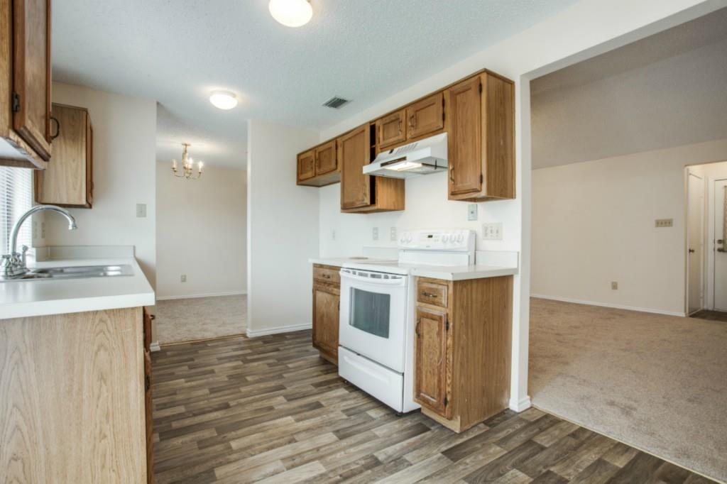 Sold Property   2810 Glen Hollow Circle Arlington, Texas 76016 11