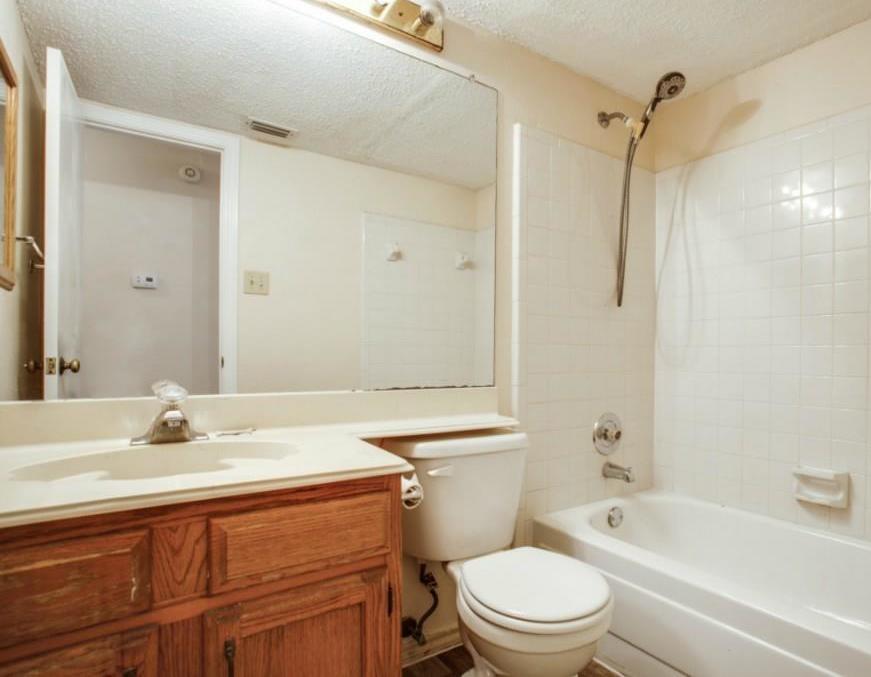 Sold Property   2810 Glen Hollow Circle Arlington, Texas 76016 21
