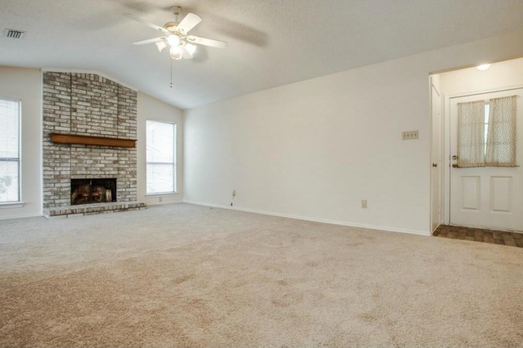 Sold Property   2810 Glen Hollow Circle Arlington, Texas 76016 3