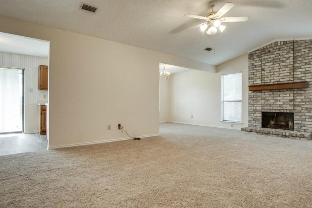 Sold Property   2810 Glen Hollow Circle Arlington, Texas 76016 4