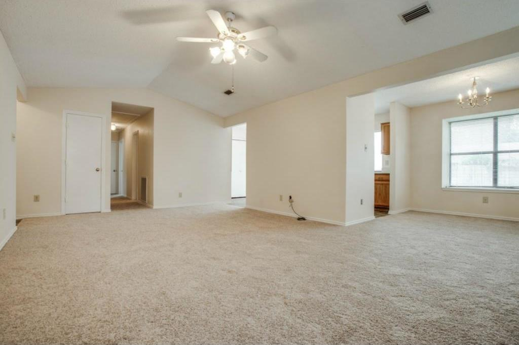 Sold Property   2810 Glen Hollow Circle Arlington, Texas 76016 5