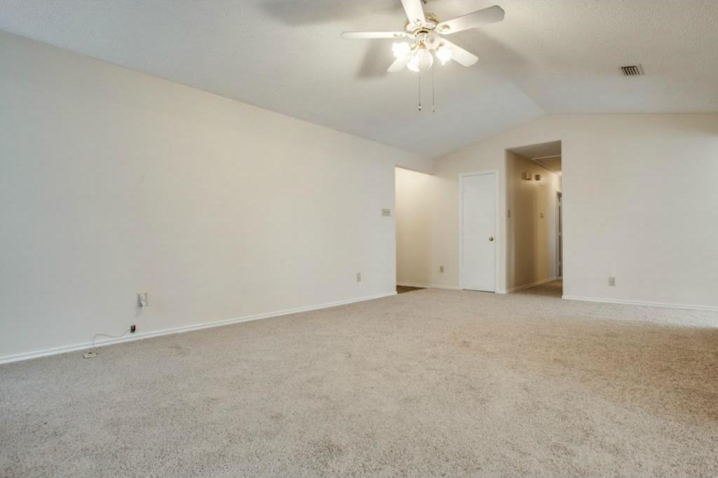 Sold Property   2810 Glen Hollow Circle Arlington, Texas 76016 6