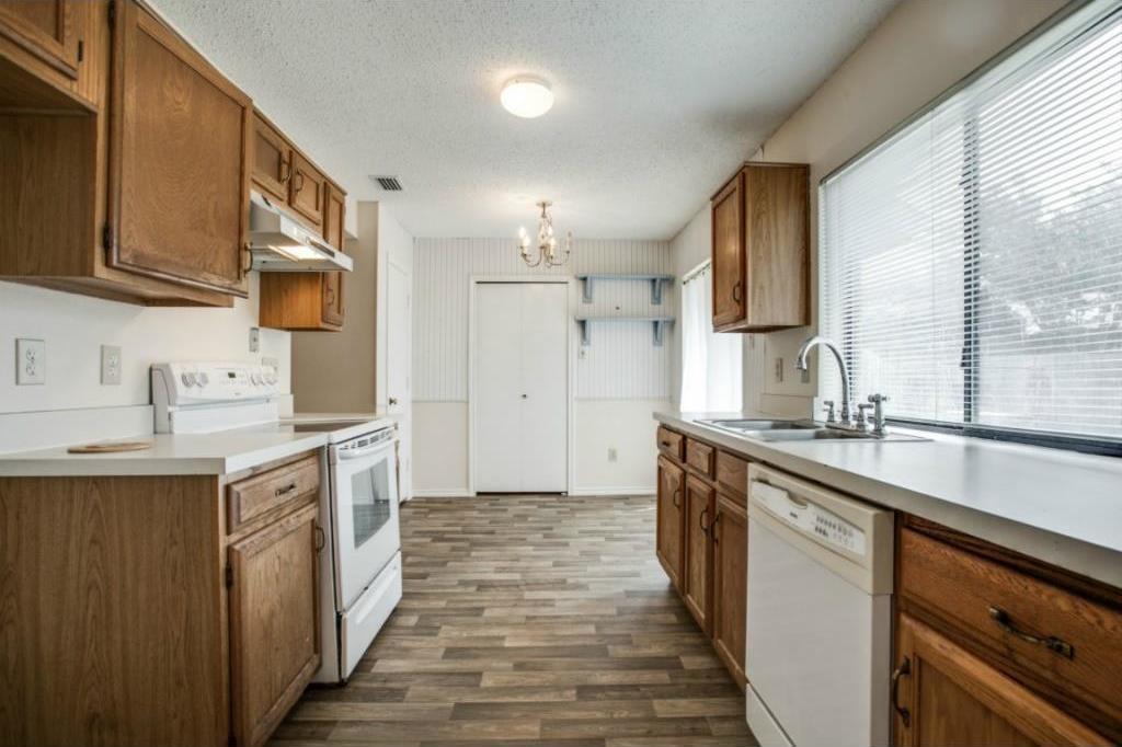 Sold Property   2810 Glen Hollow Circle Arlington, Texas 76016 9
