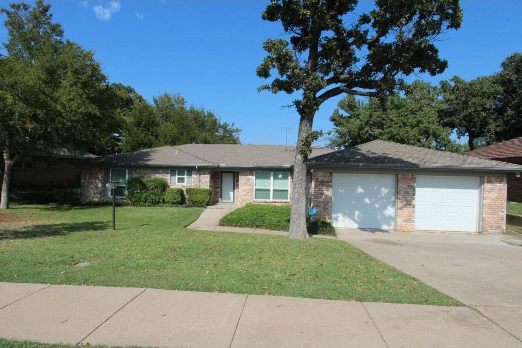 Sold Property | 1817 Park Hill Drive Arlington, Texas 76012 1