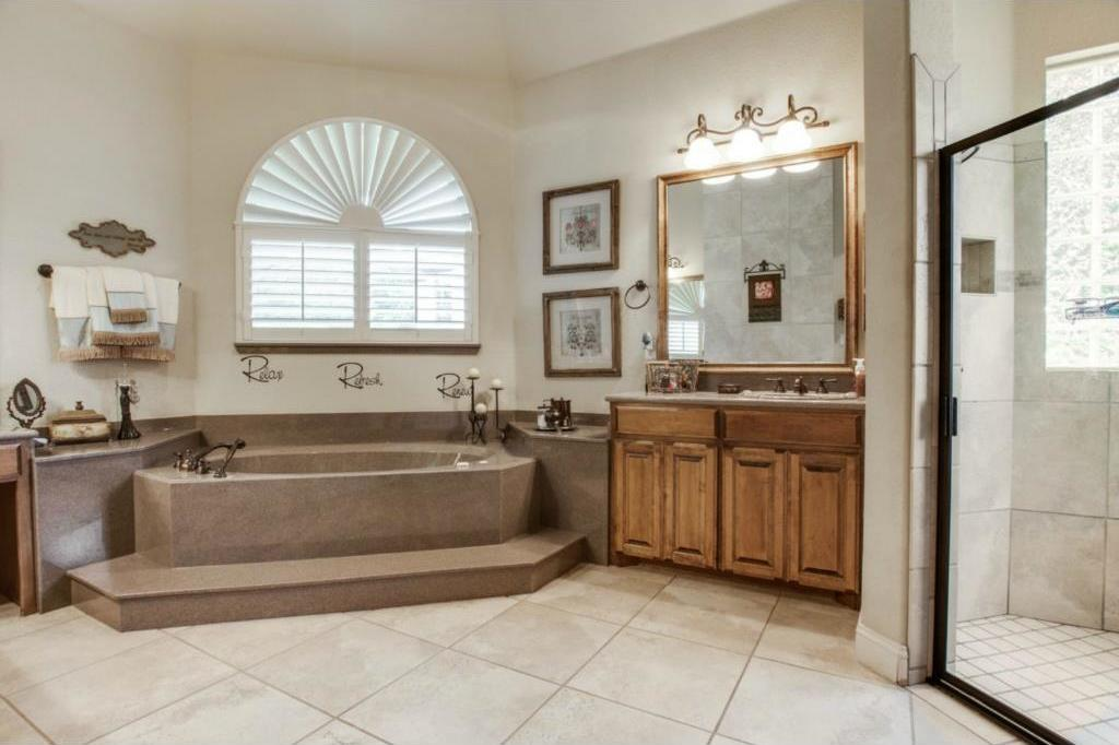 Sold Property | 7333 La Cantera Drive Fort Worth, TX 76108 12