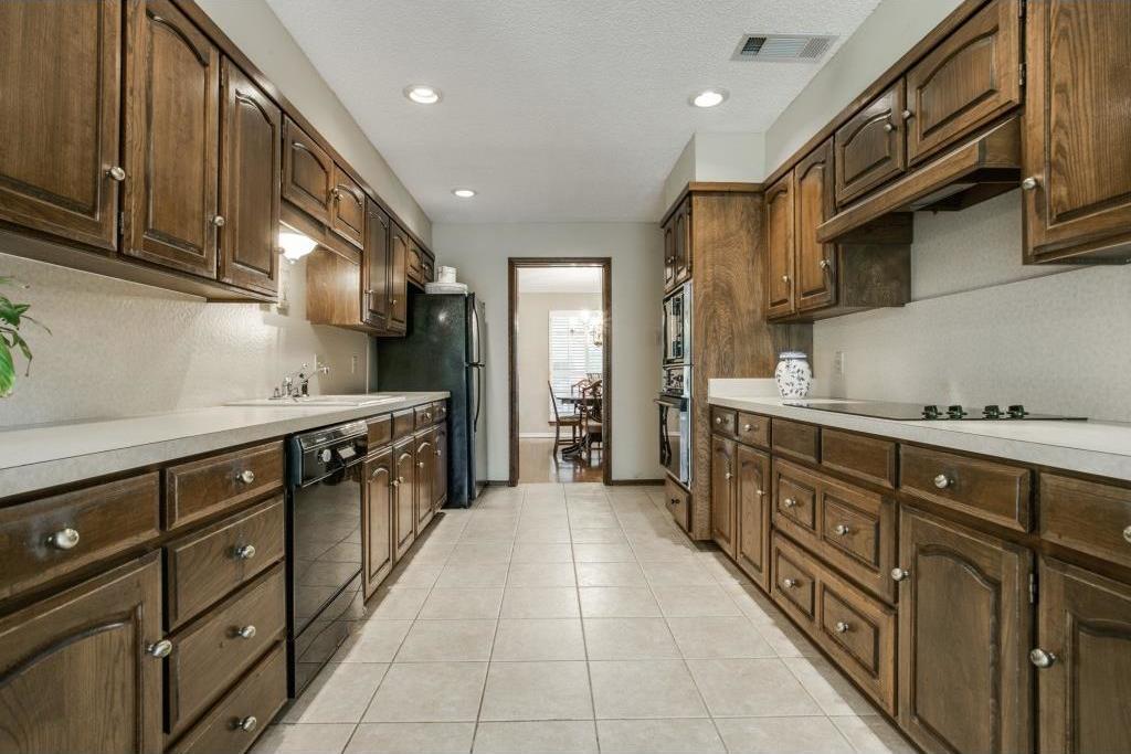 Sold Property | 3902 N Shadycreek Drive Arlington, TX 76013 6