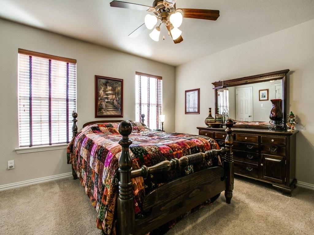 Sold Property | 2222 Sandshell Street Bedford, TX 76021 12