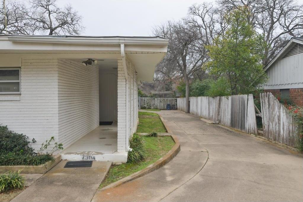 Sold Property | 7304 Normandy Road Fort Worth, Texas 76112 2