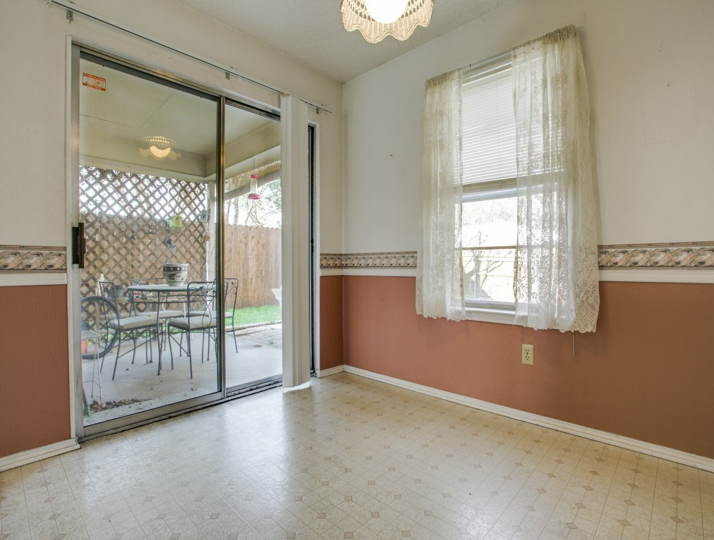 Sold Property | 706 Matthews Court Arlington, Texas 76012 12