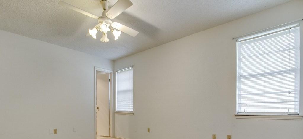 Sold Property | 706 Matthews Court Arlington, Texas 76012 14