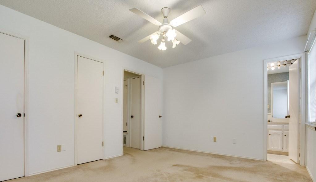 Sold Property | 706 Matthews Court Arlington, Texas 76012 15