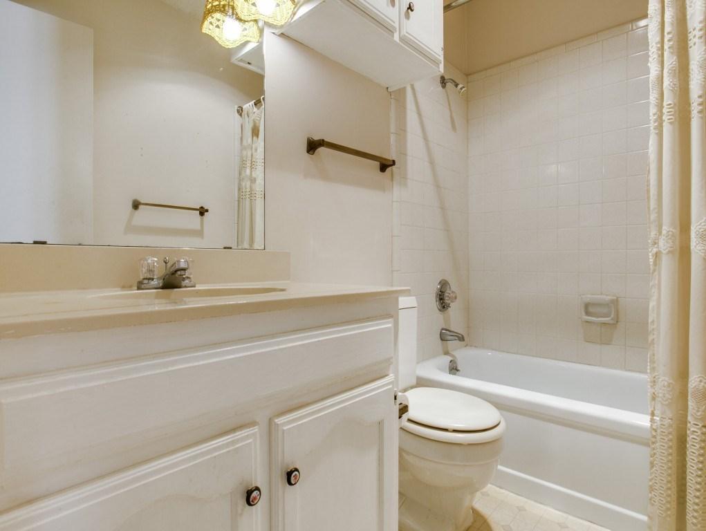 Sold Property | 706 Matthews Court Arlington, Texas 76012 19
